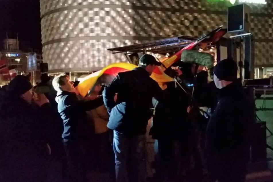 RTL-Team bei LEGIDA angegriffen!