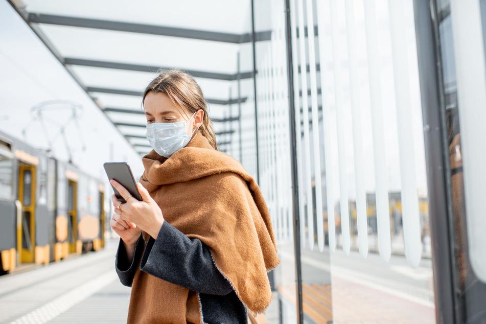"""Smarter Kontaktfinder: Laut ARD-""""Deutschlandtrend"""" würden 47 Prozent aller Wahlberechtigten eine Tracking-App installieren."""