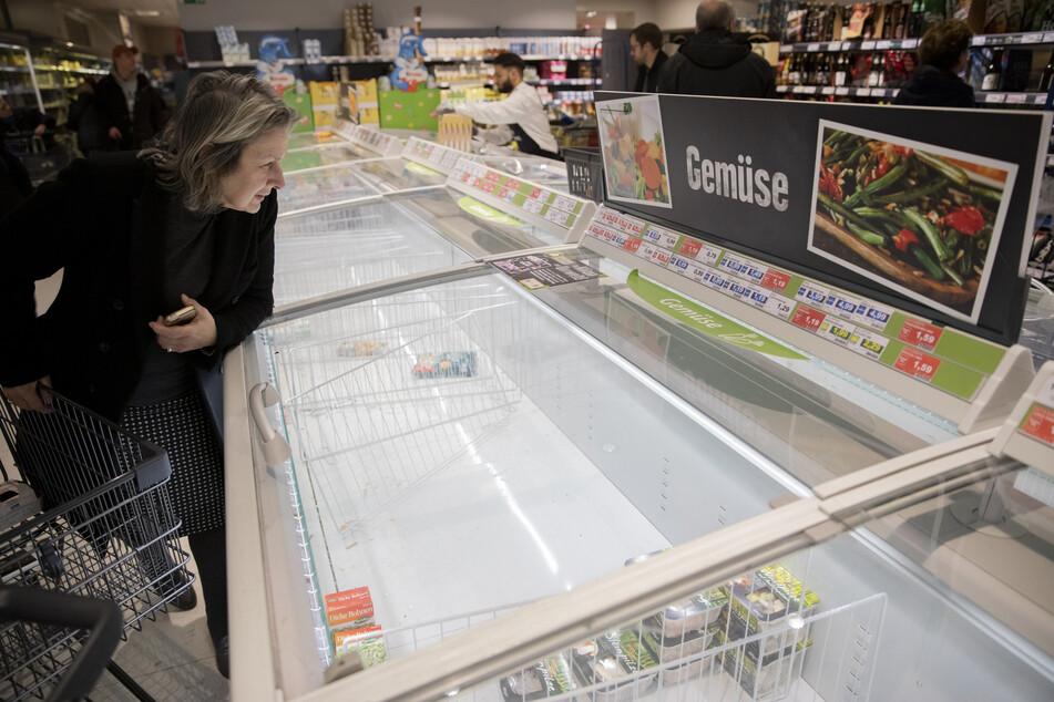 Leere Supermarktregale wie hier in Berlin kommen derzeit öfter vor.