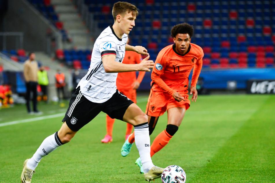 Nico Schlotterbeck (21, l.) wurde mit Deutschland U21-Europameister.