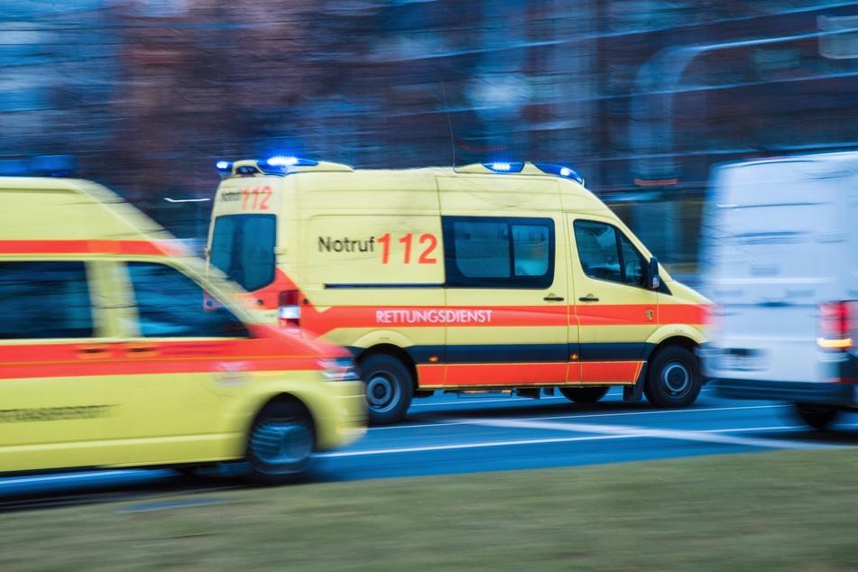 In Plauen ist ein Radfahrer (81) in die Weiße Elster gestürzt. Er wurde bei dem Unfall schwer verletzt und kam ins Krankenhaus. (Symbolbild)