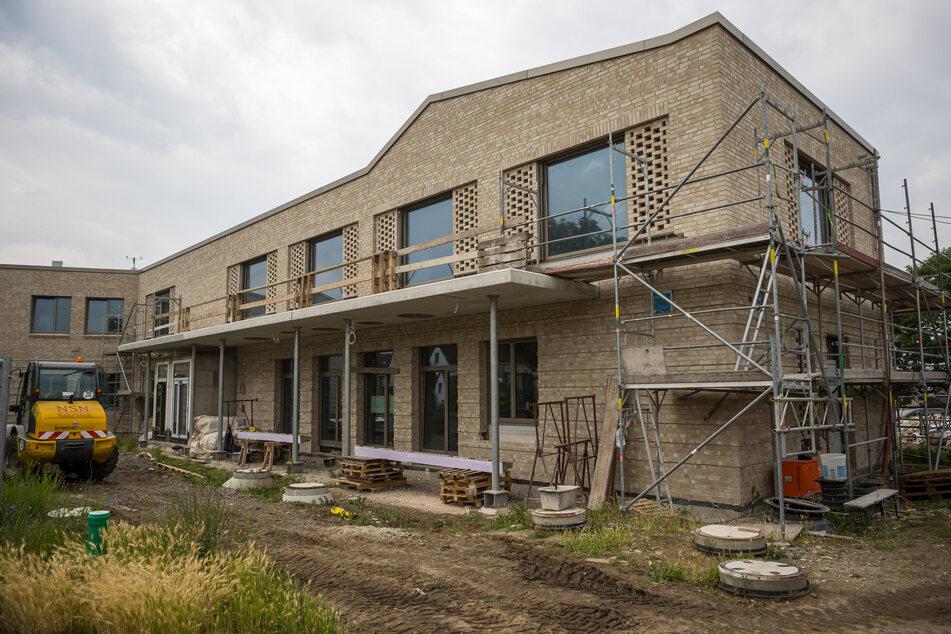 Der Neubau der Grundschule wird erst im Oktober bezogen.