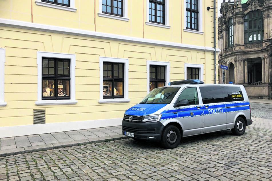 Am Donnerstag nahm die Polizei Spuren im Nobelhotel auf.