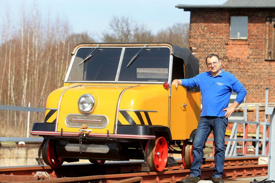 Thomas Krauß (55) betreibt bei Rochlitz den Schienentrabi - ein Gleiskraftrad mit Trabi-Antrieb.