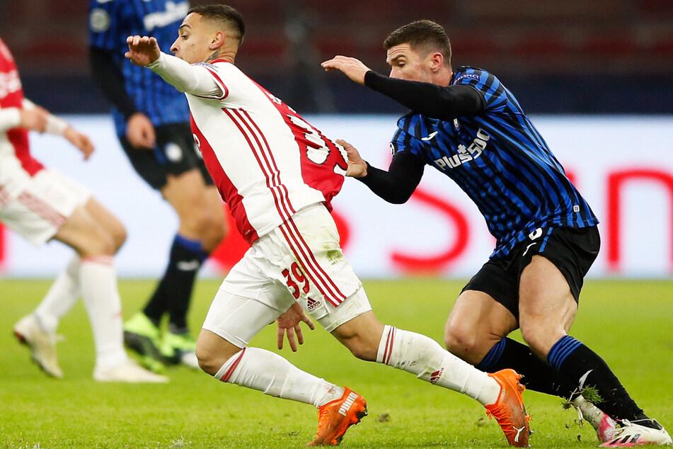 Läuft Antony (21, l.) bald nicht mehr für Ajax Amsterdam auf? Der junge Brasilianer wird mit dem FC Bayern München in Verbindung gebracht.