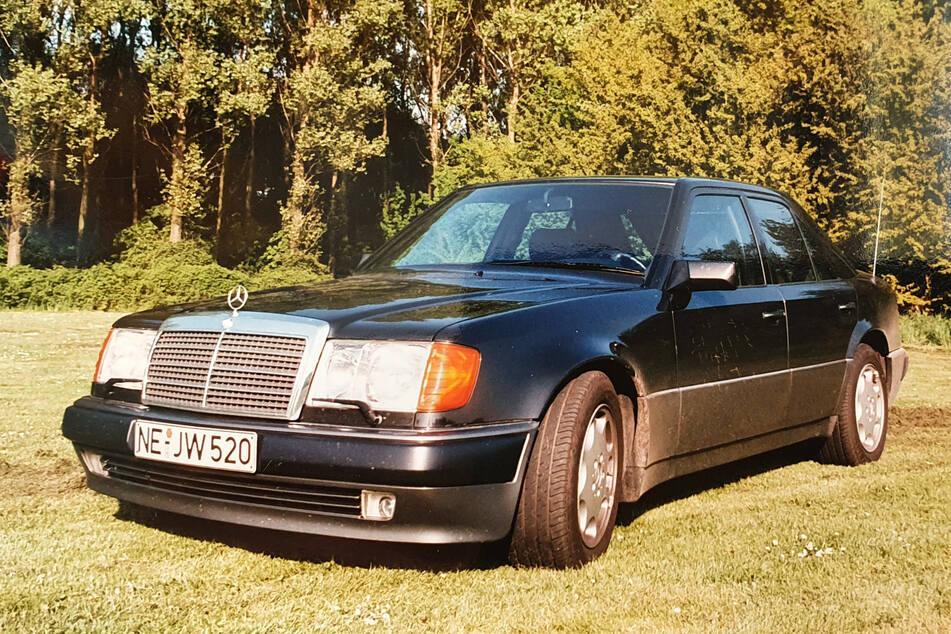 Dieser Mercedes wurde am Montag in Meerbusch gestohlen.