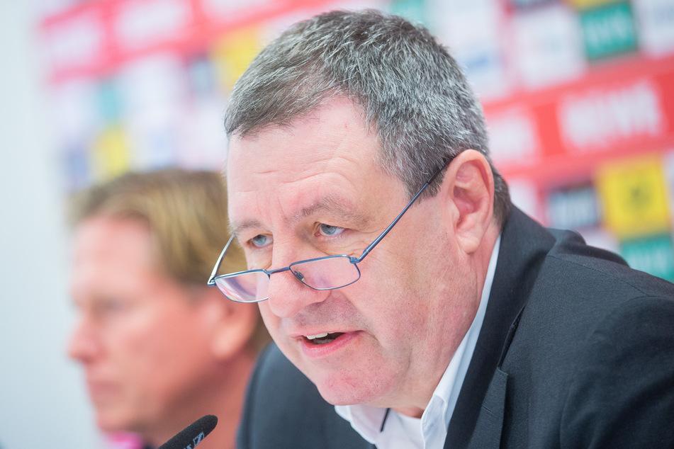 Werner Wolf (64) offenbarte nicht nur die Zukunftspläne des Klubs, sondern entschuldigte sich auch für die Dinge, die in der Vergangenheit nicht gut liefen.
