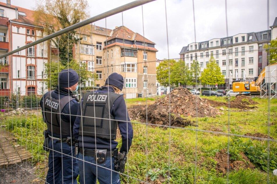 Die Polizei sicherte das Gelände - vorerst herrscht hier nun Baustopp.
