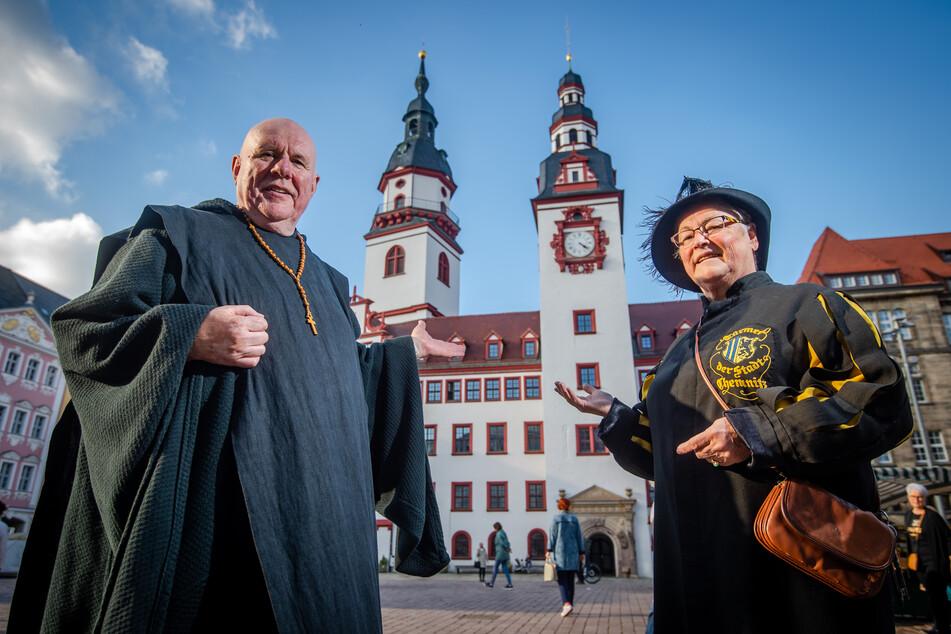 Werbung für Kulturhauptstadt: Sternmarsch mit Mönch, Marktfrau und Karl Marx