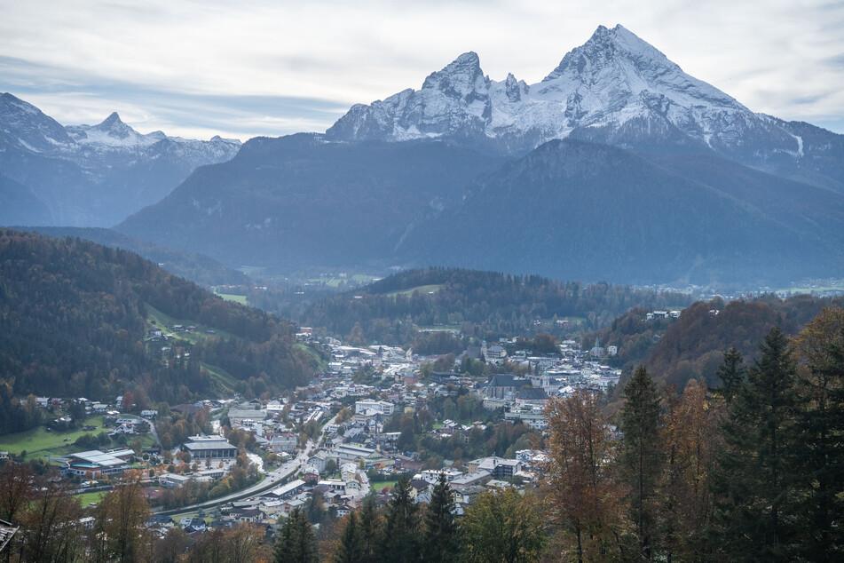 Im Landkreis Berchtesgadener Land gilt wegen extrem gestiegener Corona-Zahlen für zwei Wochen ein weitreichender Lockdown, das gefällt weder den Wintersportlern noch dem Kitaverband.