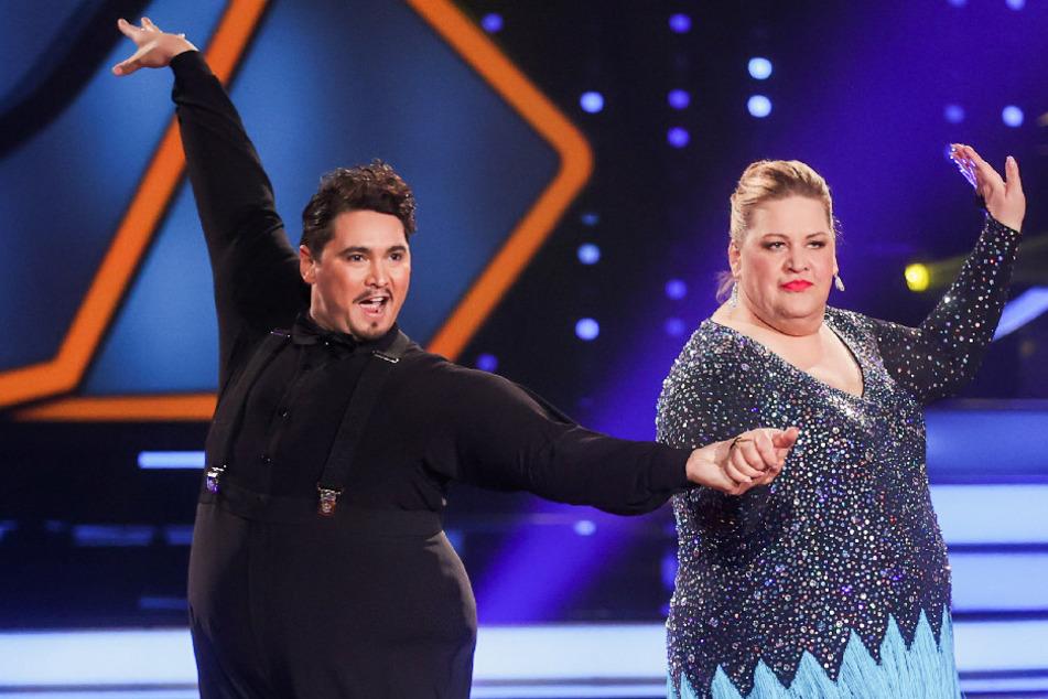 """Ilka Bessin, Comedian, und Erich Klann, Profitänzer, tanzen in der RTL-Tanzshow """"Let's Dance"""" im Coloneum."""