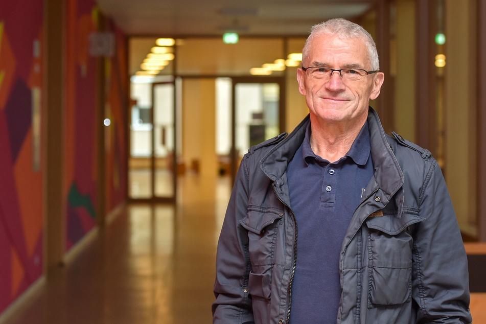 """Bernd Mizera (69) versuchte, """"den Fehler zu finden"""", bekam keine Hilfe aus dem Rathaus und eine Abfuhr von der Orts-Chefin."""