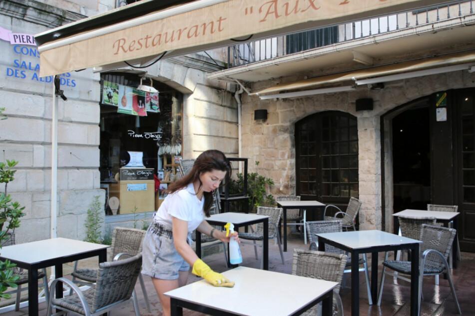 Bald kann man sich in Paris wieder ins Restaurant begeben (Symbolbild).