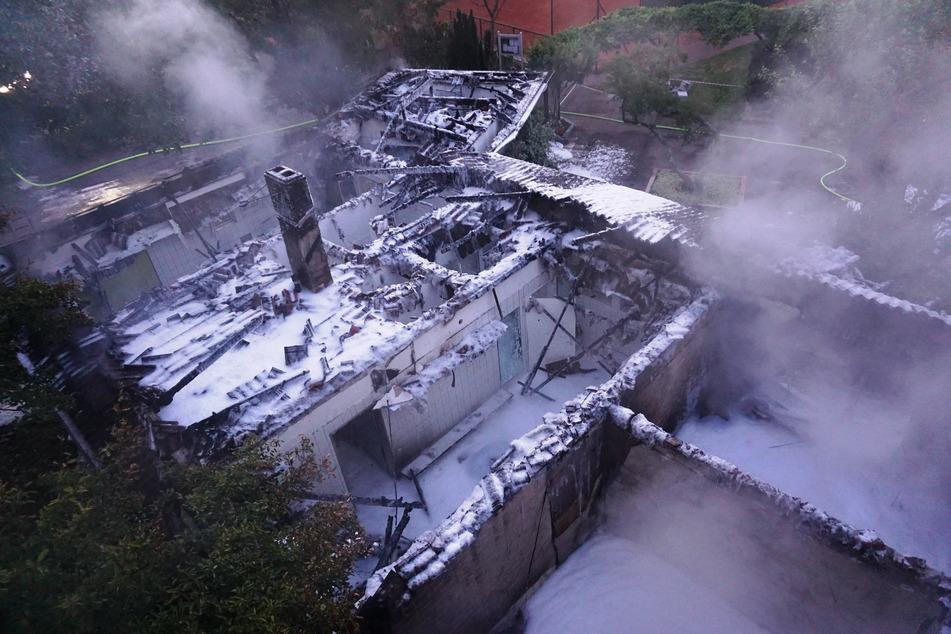 Das Vereinsheim wurde durch das Feuer enorm beschädigt.