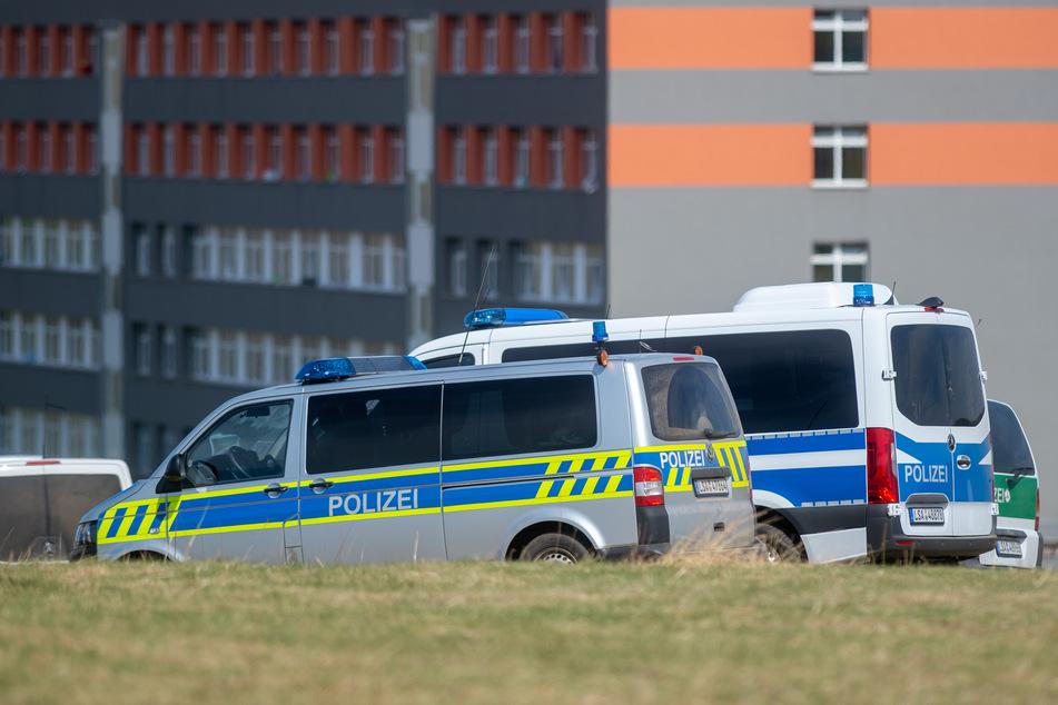 In der Zentralen Aufnahmestelle für Asylbewerber in Halberstadt soll ein Mann getreten und geschlagen worden sein. (Archivbild)