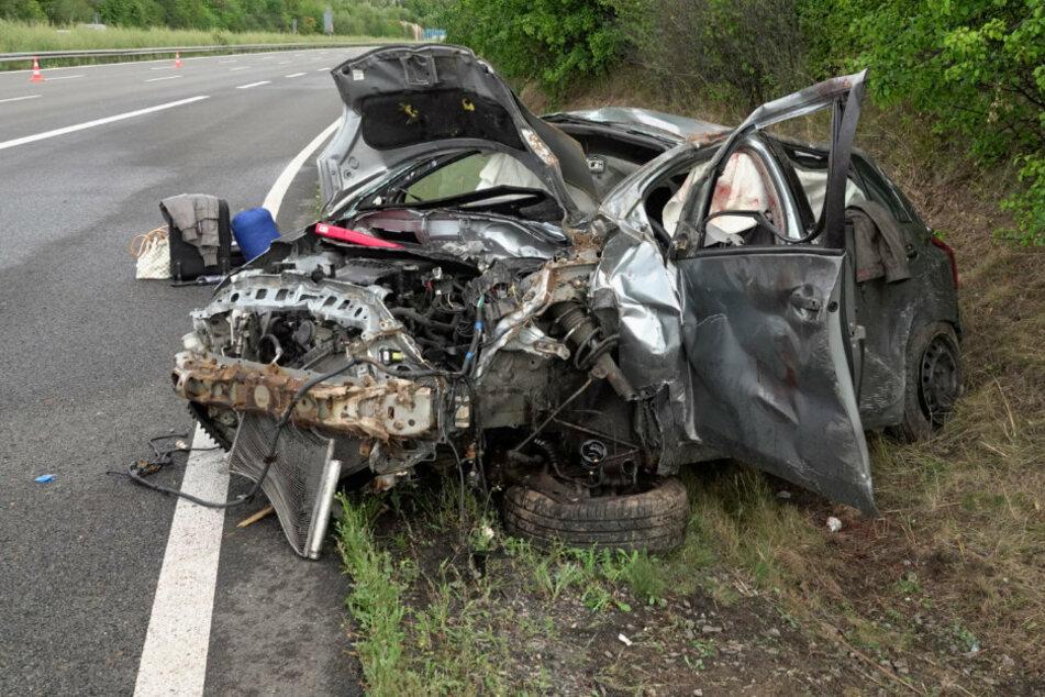 Sperrung auf A72 nach heftigem Crash mit Schwerverletzten