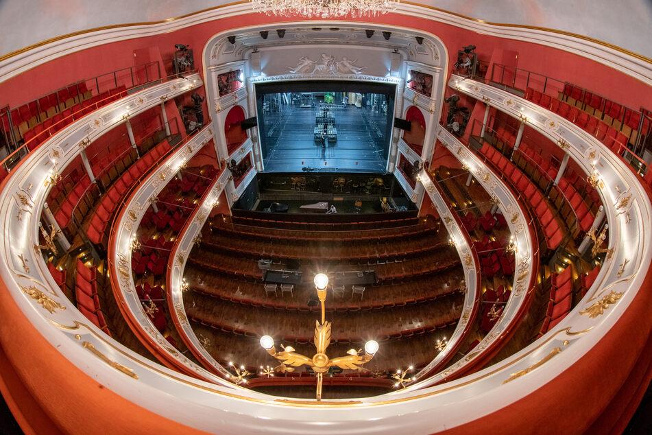 Die Ränge und auch die Bühne im Opernhaus im Staatstheater Nürnberg bleiben vorerst leer.