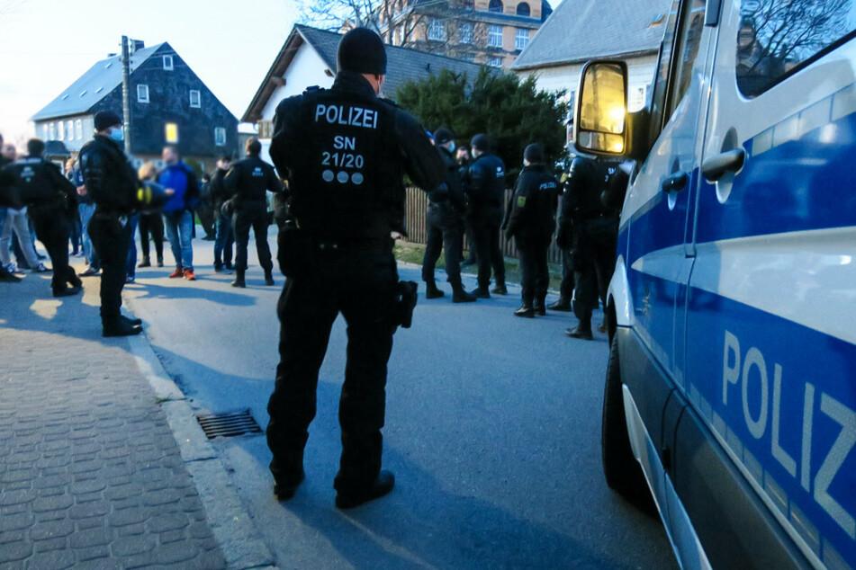 Auch Proteste in Zwönitz eskalierten am Montagabend.
