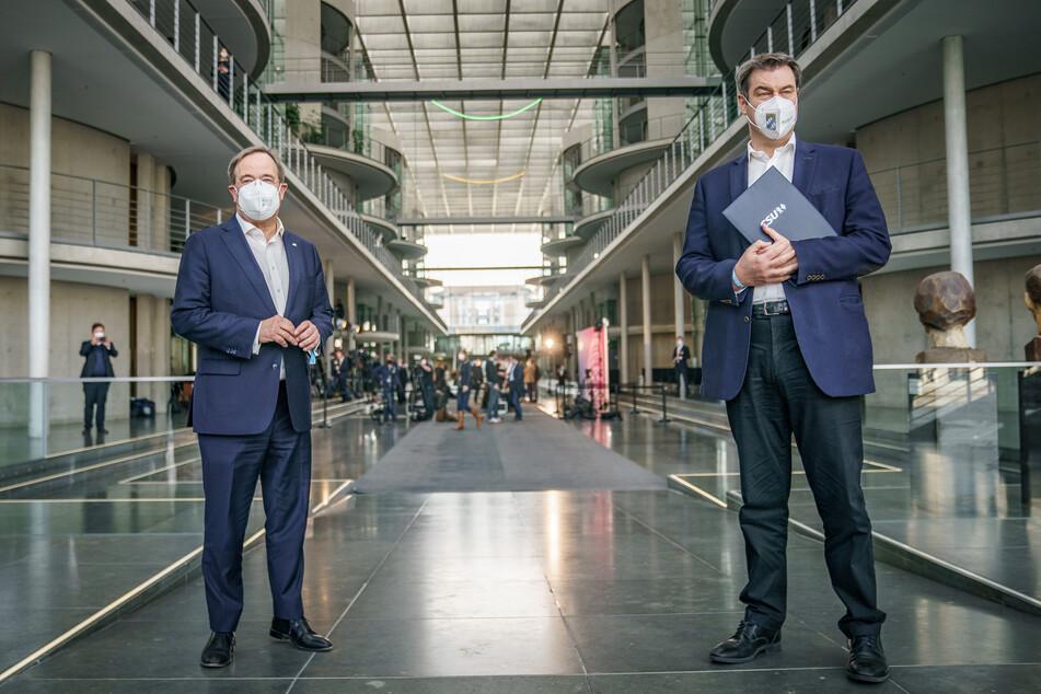Eigentlich wollen Armin Laschet (60, CDU, l) und Markus Söder (54, CSU) bis Ende der Woche eine Entscheidung für die festgefahrene Kanzler-Frage präsentieren.