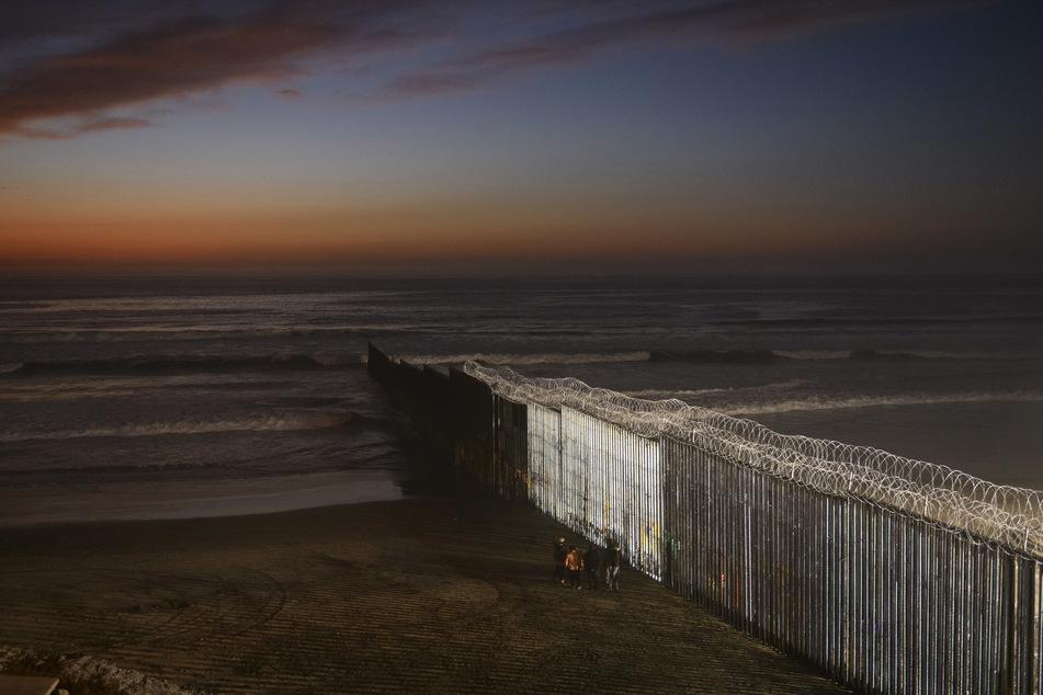 An Grenzmauer: Schwangere Frau (19) fällt beim Klettern in den Tod