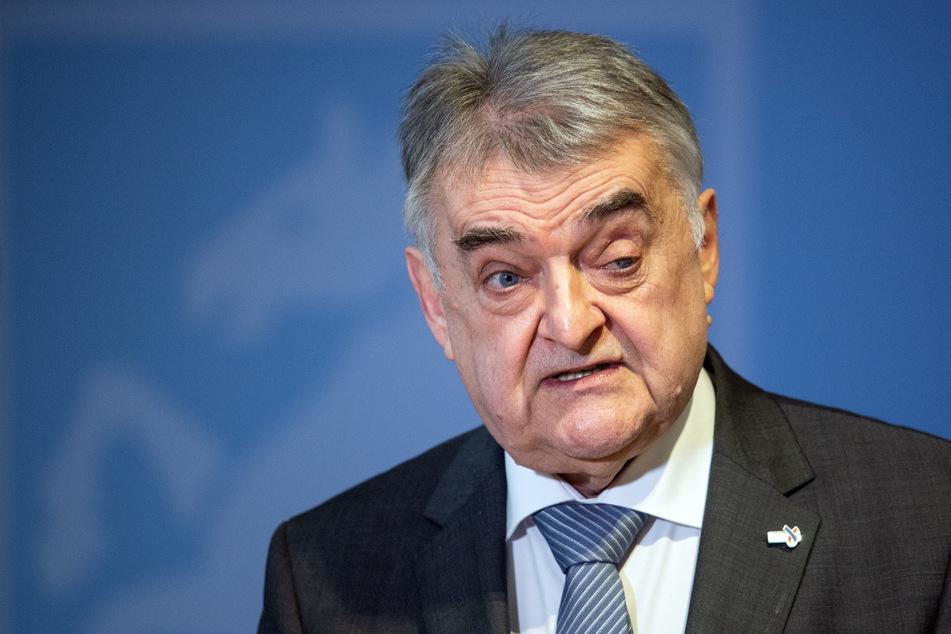 Herbert Reul (68, CDU) ist NRW-Innenminister unter seinem Ministerpräsidenten Armin Laschet.
