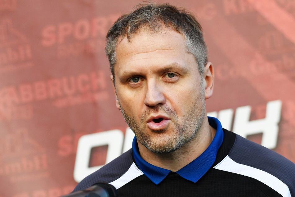 Für Coach Erik Schmidt (41) und den BFV steht am Mittwoch das mit Spannung erwartete Sachsenpokal-Viertelfinale gegen Dynamo Dresden an.