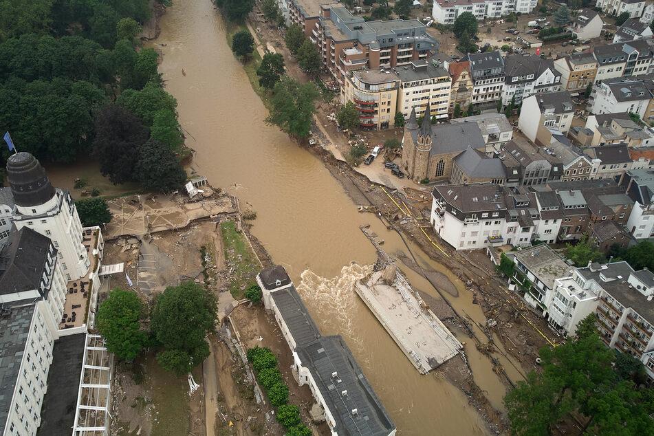 Ein Bild der Fluten in Bad Neuenahr im Landkreis Ahrweiler, dort hat das Hochwasser in Rheinland-Pfalz besonders heftig zugeschlagen.