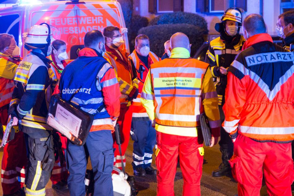 Zahlreiche Einsatzkräfte von Rettungsdienst und Feuerwehr waren vor Ort.