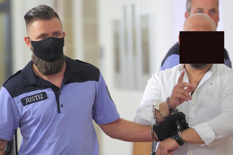 Josef A. (43) sitzt seit März in U-Haft. Die Staatsanwaltschaft will ihn nun für länger hinter Gittern sehen.