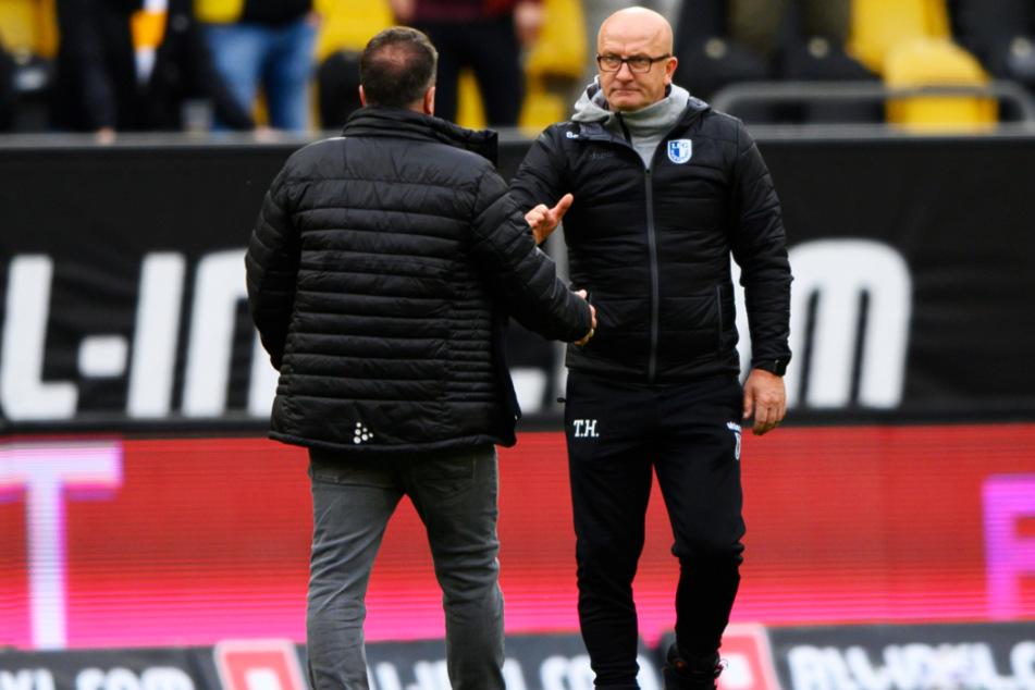 FCM-Coach Thomas Hoßmang (r.) gratulierte seinem Dresdner Kollegen Markus Kauczinski nach der Partie sportlich fair.