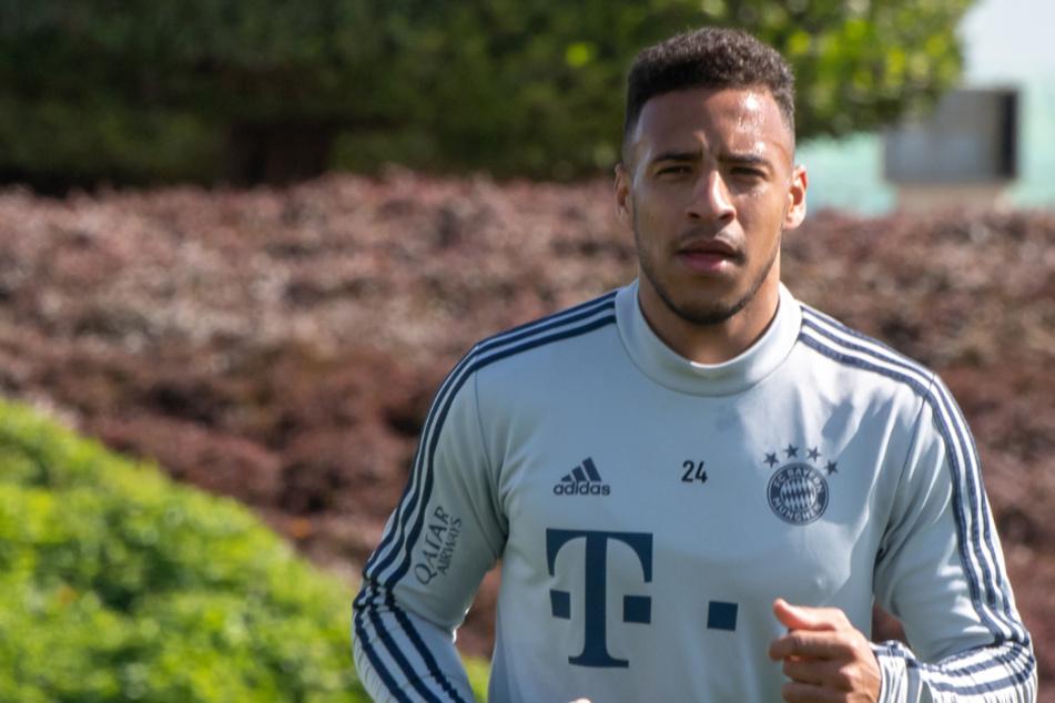 Corentin Tolisso, Mittelfeldspieler vom FC Bayern München, musste sich einer Operation am Fuß unterziehen.