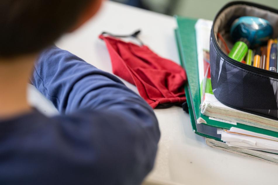 Schüler in Schleswig-Holstein müssen nach den Herbstferien Masken im Unterricht tragen.