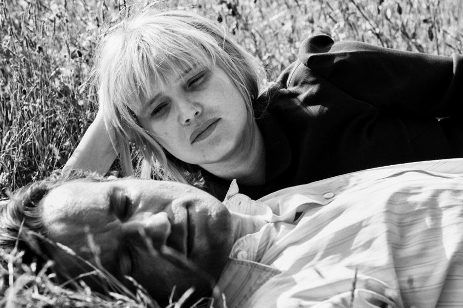 Zula (Joanna Kulig) und Wiktor (Tomasz Kot) verlieben sich ineinander.