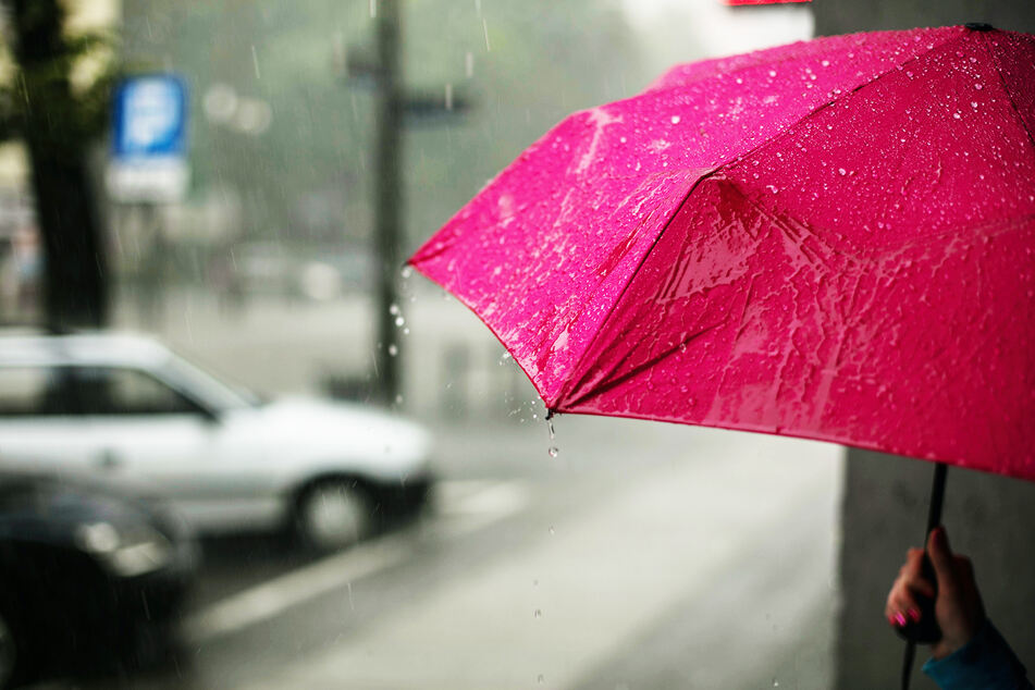 Am Montag muss sich Deutschland auf Regen einstellen. (Symbolbild)