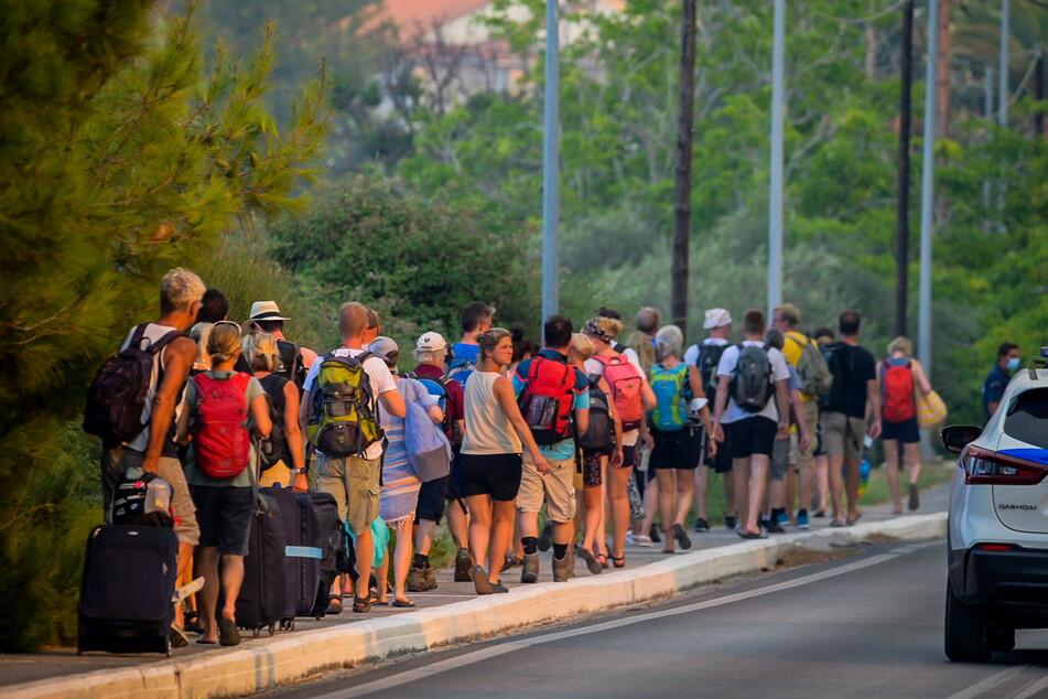 Viele Touristen auf Samos mussten aus Sicherheitsgründen ihre Hotels verlassen.