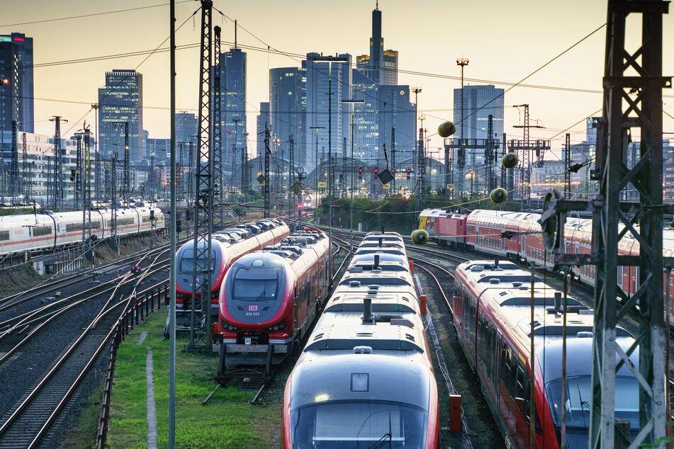 Ein Großteil der DB-Züge steht derzeit still.