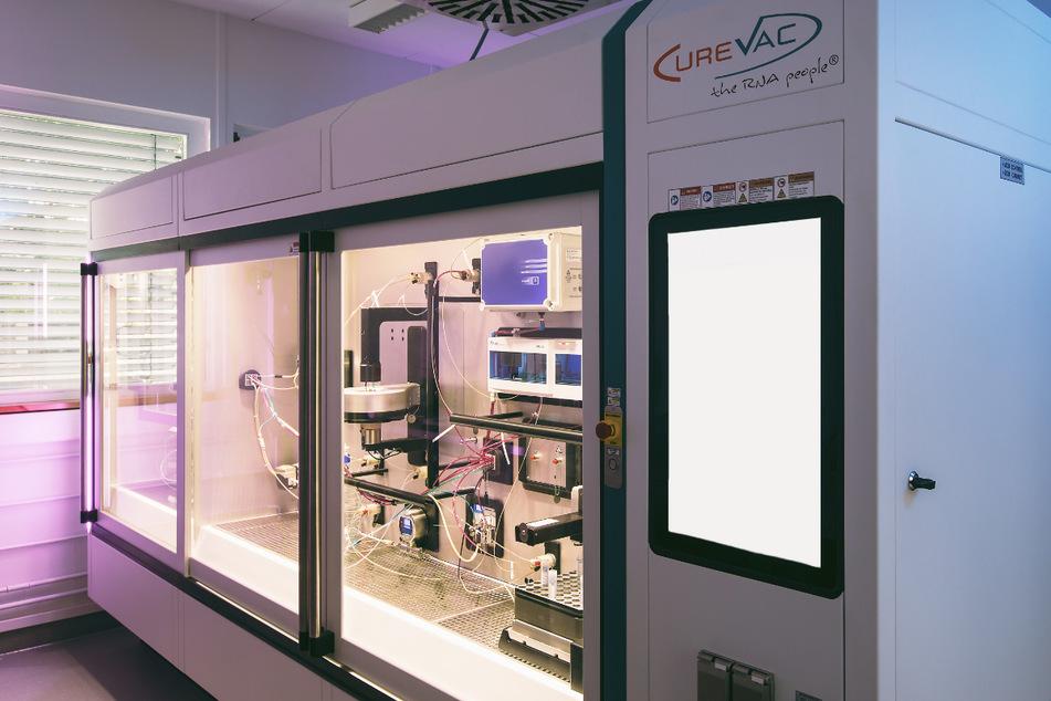 Erster Prototyp eines RNA-Druckers des Bio-Tech-Unternehmens Curevac in Tübingen. Hier sollen in Zukunft Impfstoffe gedruckt werden.