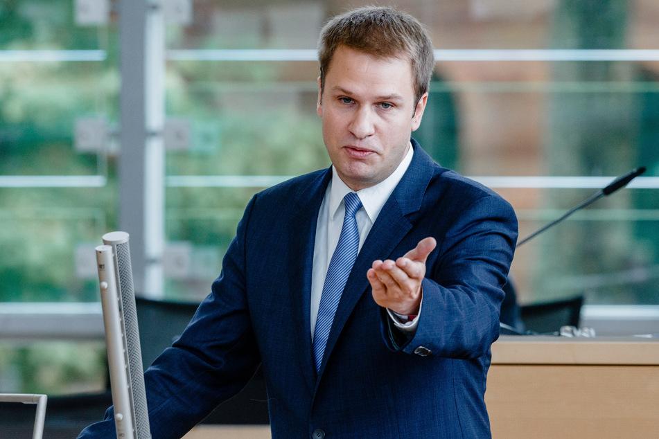 Schleswig-Holsteins FDP-Fraktionschef Christopher Vogt spricht im Landeshaus.