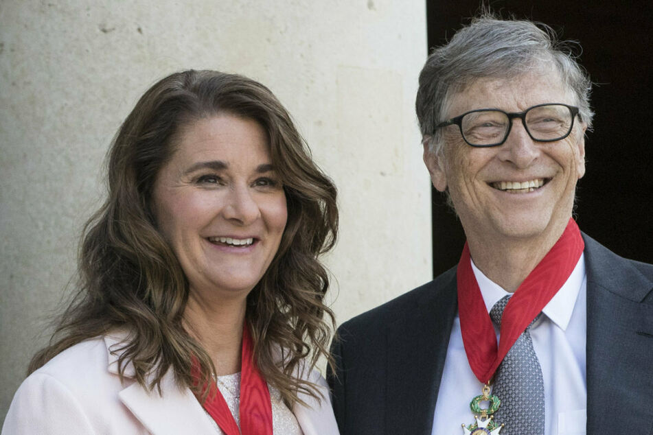 Bill Gates (65) und Melinda (56) bei der Verleihung des französischen Verdienstordens der Ehrenlegion, 2017 in Paris.