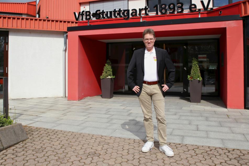 Steht vor der Geschäftsstelle beim VfB Stuttgart: Pierre-Enric Steiger (49).