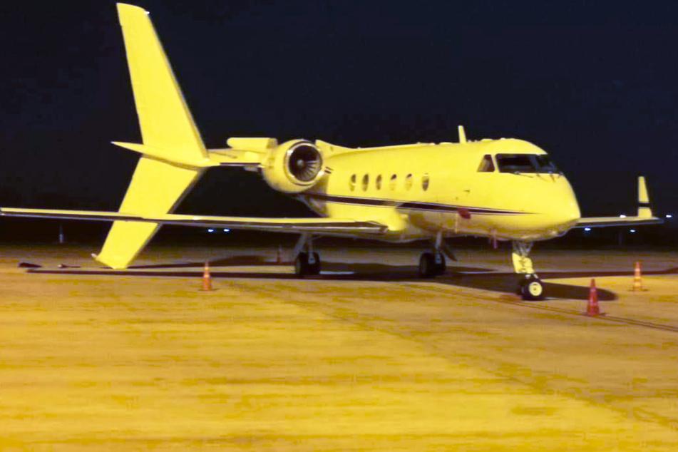 Kurioser Unfall: Großer Airbus crasht in Privat-Flugzeug