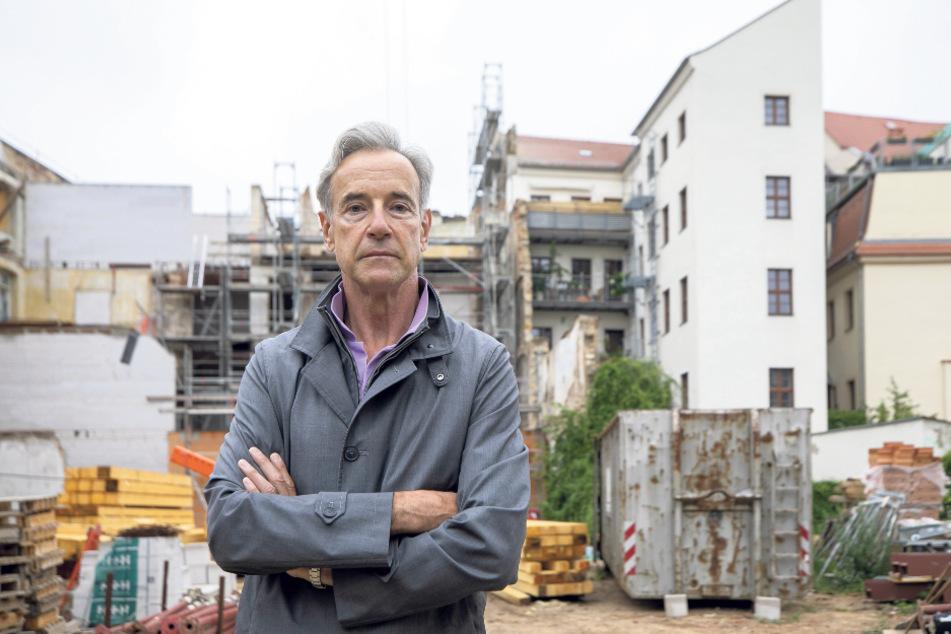 Bernd Frischleder (65) hat Angst um sein Haus und seine Mieter.