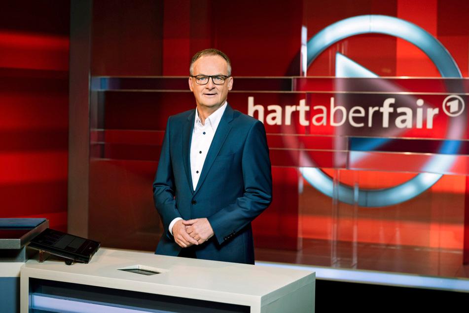 """""""hart aber fair"""", moderiert von Frank Plasberg (63)."""