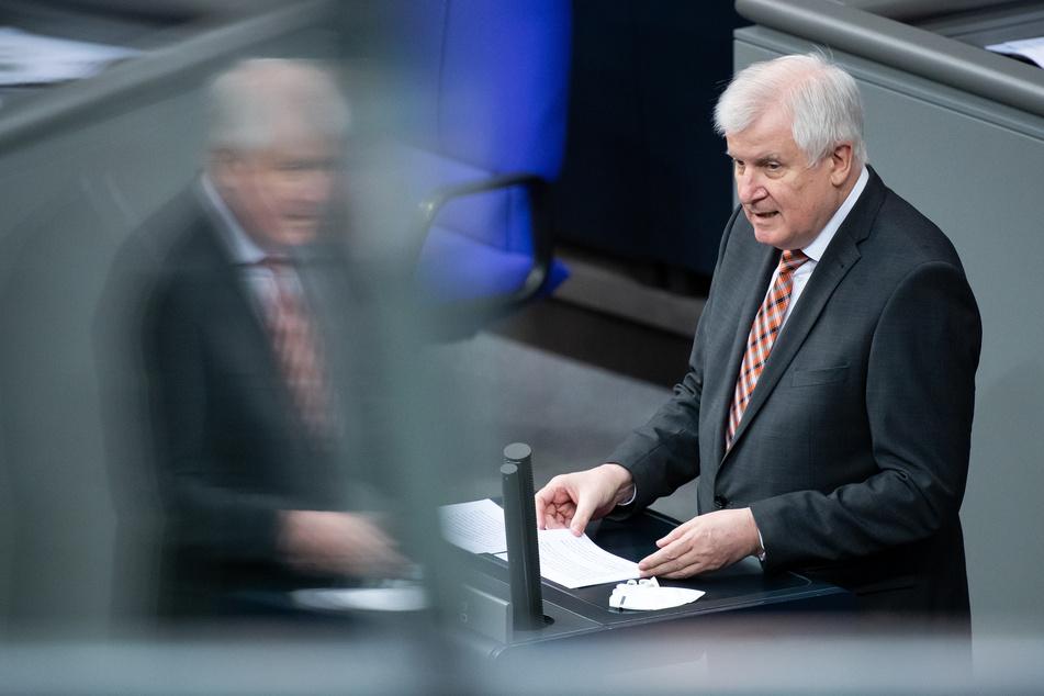 Horst Seehofer (71, CSU), Bundesminister für Inneres, Heimat und Bau, verteidigt die Einreiseverbote für Menschen aus Corona-Mutationsgebieten.