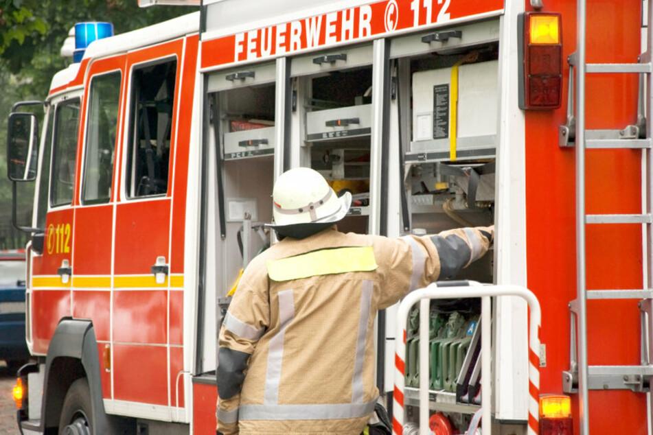 Die Feuerwehr hatte wegen des Starkregens am Dienstagabend alle Hände voll zu tun. (Symbolfoto)