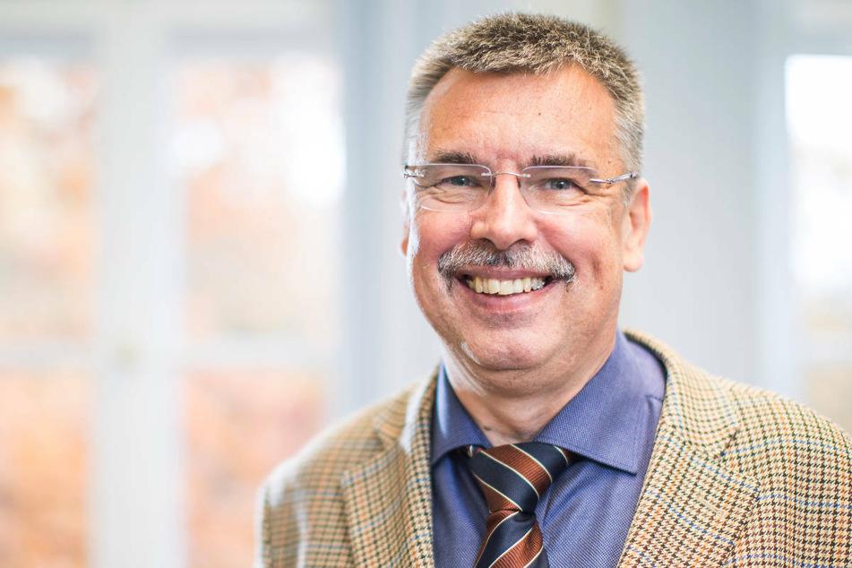 Professor Frank Hufert (62), Virologe an der Brandenburgischen Technischen Universität Cottbus-Senftenberg, sieht die Antigentests sehr kritisch.