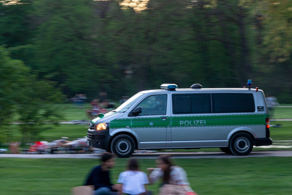 München: Schock für Schülerinnen in München: Nackter Mann verfolgt sie durch Englischen Garten
