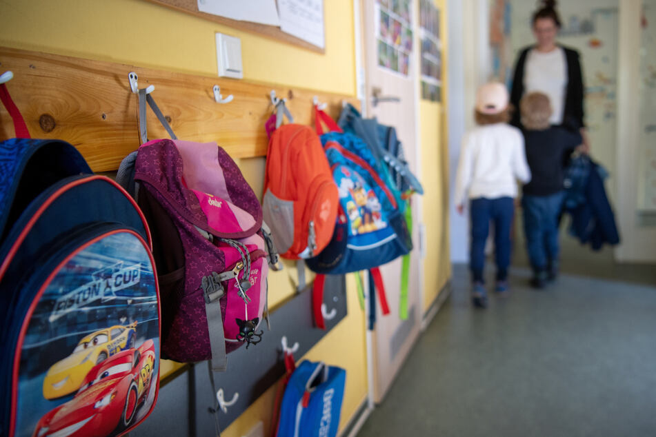Kindergärten sollen zuerst für Alleinerziehende wieder öffnen, sagen die Linken in Mittelsachsen.