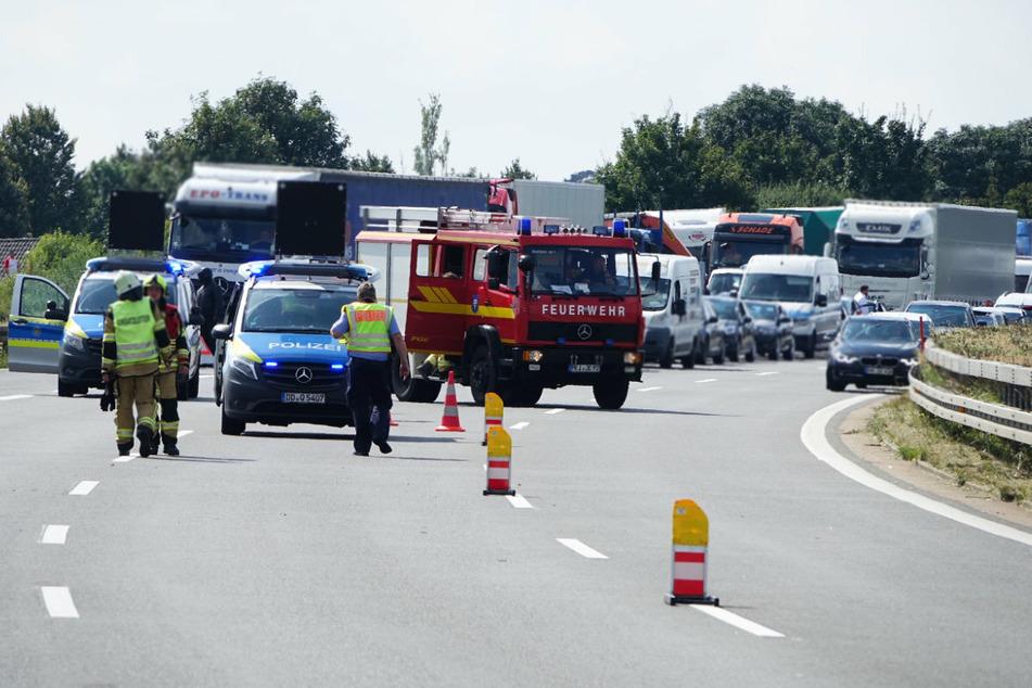 Die Sperrung auf der A4 führte zu einem kilometerlangen Stau.