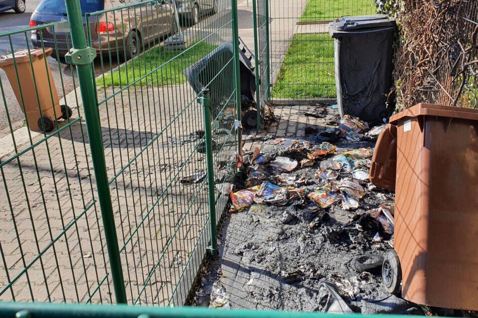 Chemnitz: Serie reißt nicht ab: Wieder brannten in Chemnitz Müllcontainer